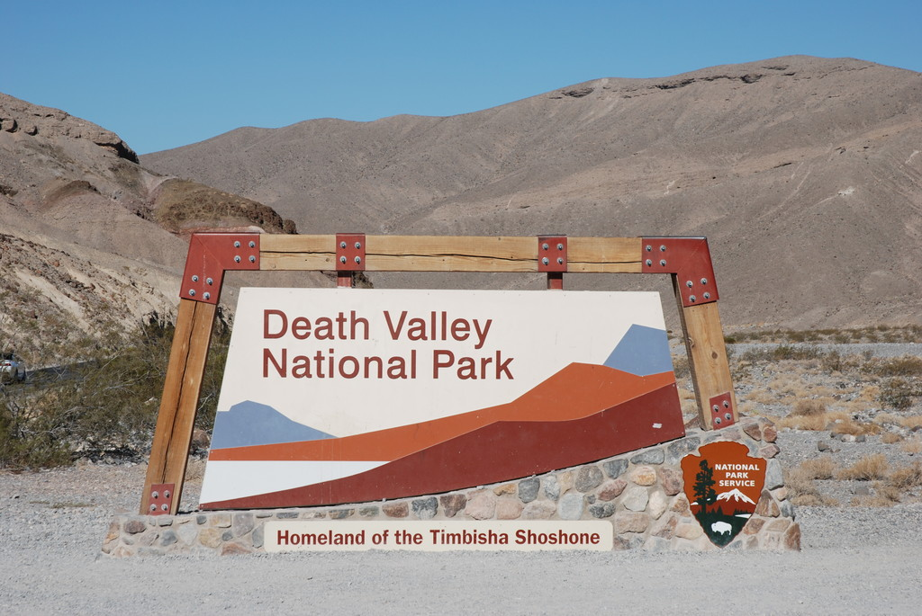 1.Death Valley